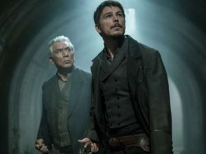 Wes Studi as Kaetenany and Josh Hartnett as Ethan Chandler in Penny Dreadful (season 3, episode 9). - Photo: Jonathan Hession/SHOWTIME - Photo ID: PennyDreadful_309_